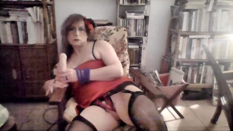 Admirable flat chested tranny in sexy lingerie