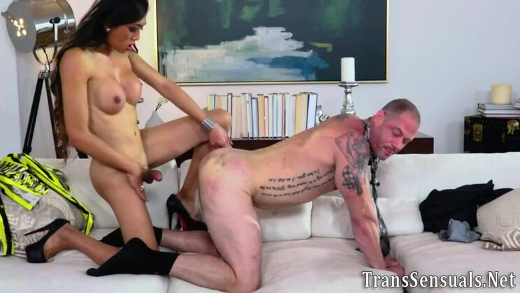 Unearthly asian shemale Venus Lux