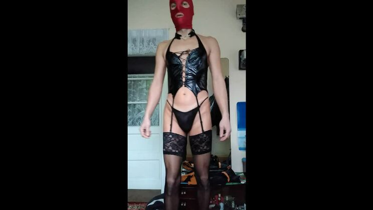 Teasing shemale whore in teasing lingerie sex video