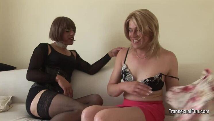 Hot transsexual Zoe Fuckpuppet