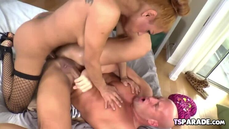 Spicy breasty transsexual Jessy Dubai giving a great blow job