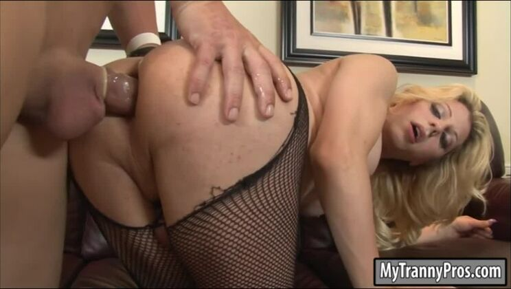 Divine breasty shemale Tyra Scott was penetrated in ass