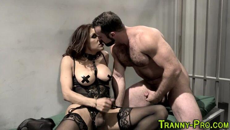 Pretty tranny Jessy Dubai is making dude cum