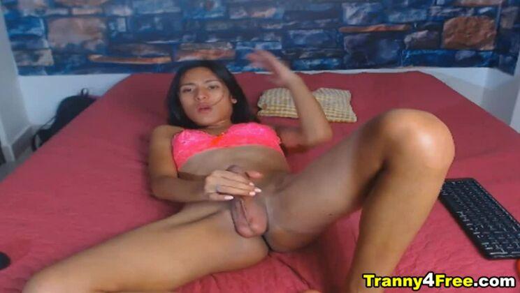 Ebony Skin Tranny Fapping Her Long Hard Dick